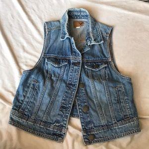 American Eagle Jean button vest
